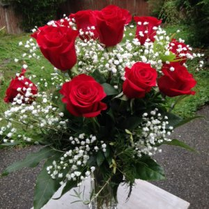 Dozen Roses Marysville WA